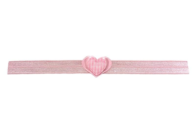 Schattig licht roze baby haarbandje. Van goed rekbaar elastiek. Met een licht roze hartje en een licht roze geruit hartje.