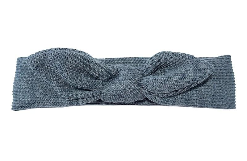 Schattig grijs stoffen baby hoofdbandje.  Het haarbandje is geknoopt in een vrolijk oortjes model.  Van een lekkere zachte stof. Zonder rek. Daardoor geschikt tot en met ongeveer 5 maanden. De omtrek van het haarbandje is ongeveer 42 centimeter. Controleer regelmatig of het bandje niet te warm of te strak zit.