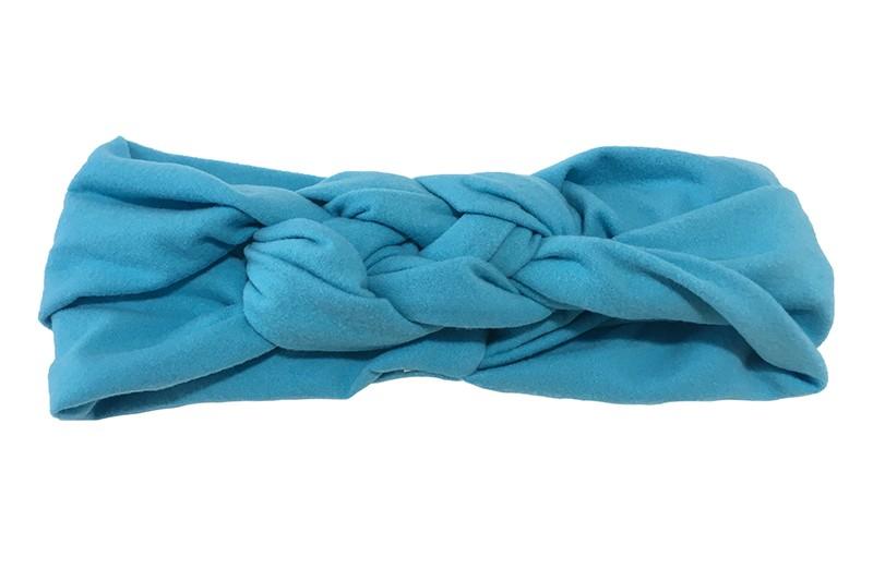 Leuk effen blauw baby peuter haarbandje. In een leuk dubbel in elkaar geknoopt modelletje. Van zachte rekbare stof.  De breedte van het haarbandje is ongeveer 5.5 centimeter.
