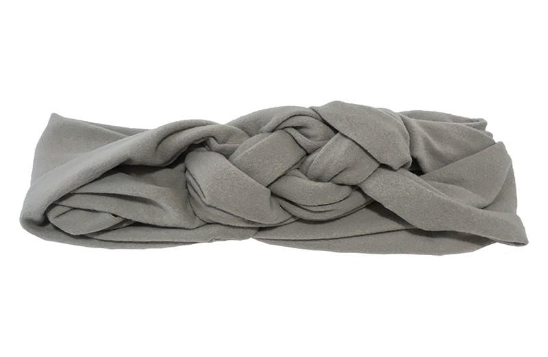 Leuk effen grijs baby peuter haarbandje. In een leuk dubbel in elkaar geknoopt modelletje. Van zachte rekbare stof.  De breedte van het haarbandje is ongeveer 5.5 centimeter.