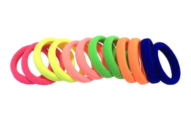 Vrolijk setje van 12 gekleurde haarelastiekjes.  Altijd handig deze basis elastiekjes in felle kleurtjes.