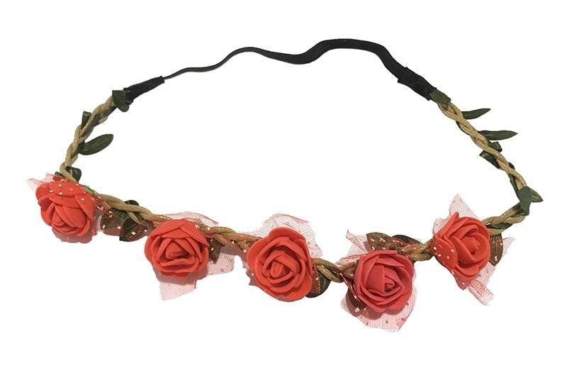 Vrolijk bloemenhaarbandje van gevlochten koort en een elastische gedeelte.  Met kleine groene blaadjes meegevlochten.  Op het bandje zitten 5 kleine rode roosjes met onder elk roosje een stukje tulestof. Leuk feestelijk haarbandje!