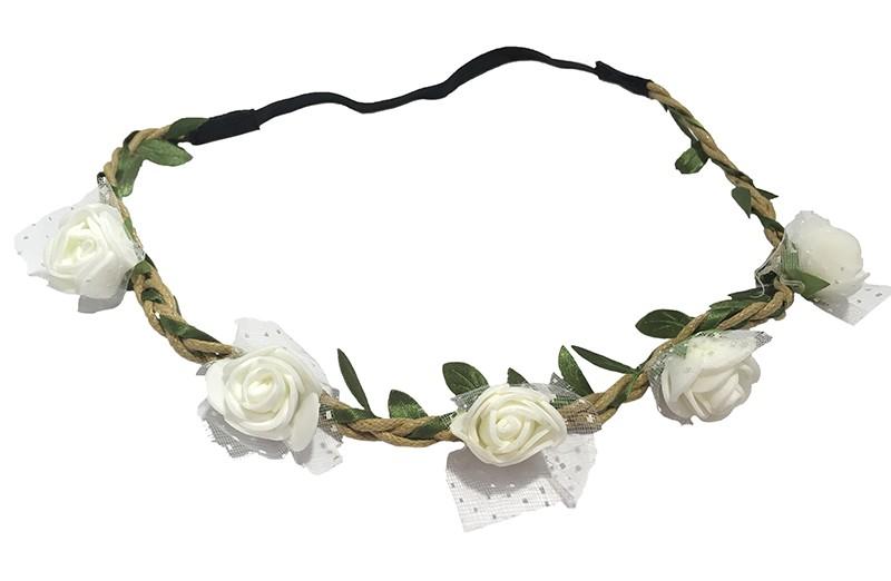 Vrolijk bloemenhaarbandje van gevlochten koort en een elastische gedeelte.  Met kleine groene blaadjes meegevlochten.  Op het bandje zitten 5 kleine witte roosjes met onder elk roosje een stukje tulestof. Leuk feestelijk haarbandje!