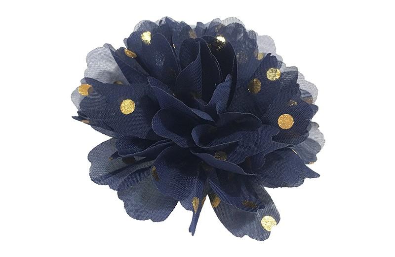 Vrolijke grote donkerblauwe haarbloem van chiffon met gouden stipjes.  Op een alligator knip van ongeveer 5 centimeter bekleed met zwart lint.