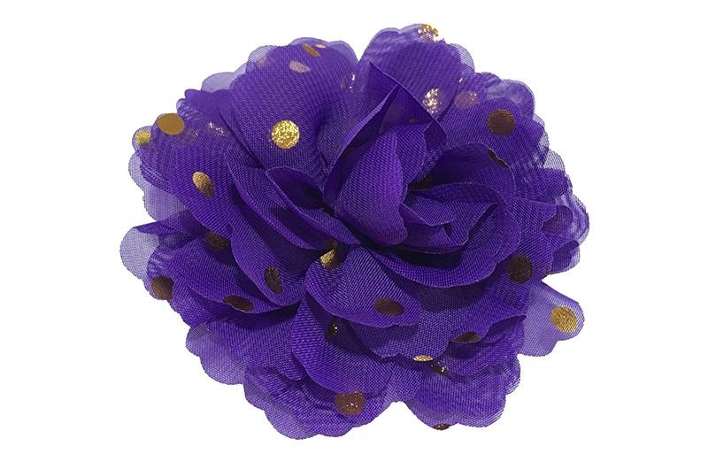 Vrolijke grote paarse haarbloem van chiffon met gouden stipjes.  Op een alligator knip van ongeveer 5 centimeter bekleed met zwart lint.
