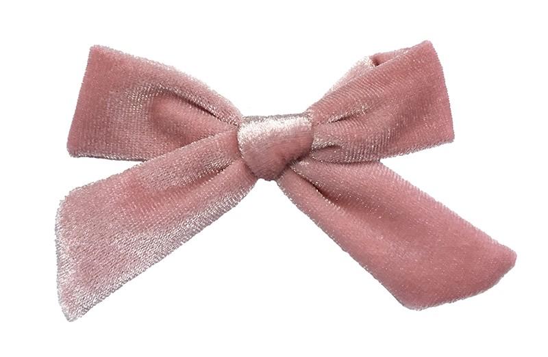 Schattig licht roze fluweel stoffen haarstrikje.  Lief in de haartjes van peuter en kleuter meisjes.  Op een plat haarknipje van 4 centimeter.  Ook leuk om cadeau te geven.