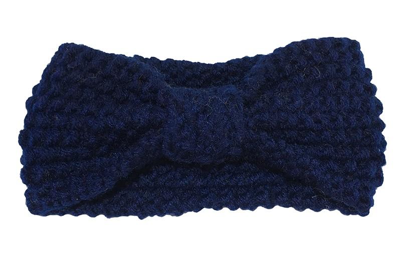 Leuke donkerblauwe baby peuter, haarband.  Deze gebreide haarband is ongeveer 8 centimeter breed. Lekker warm in de winter voor de kleine meisjes.