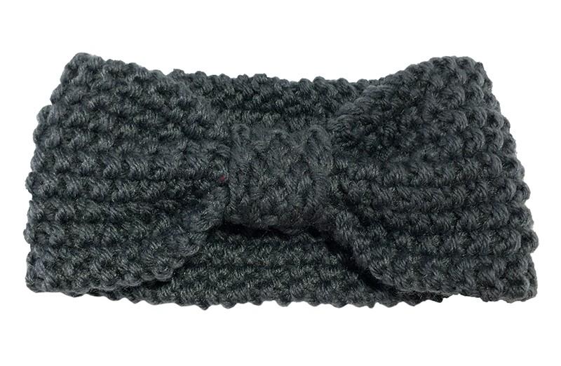 Leuke donker grijze baby peuter, haarband.  Deze gebreide haarband is ongeveer 8 centimeter breed. Lekker warm in de winter voor de kleine meisjes.