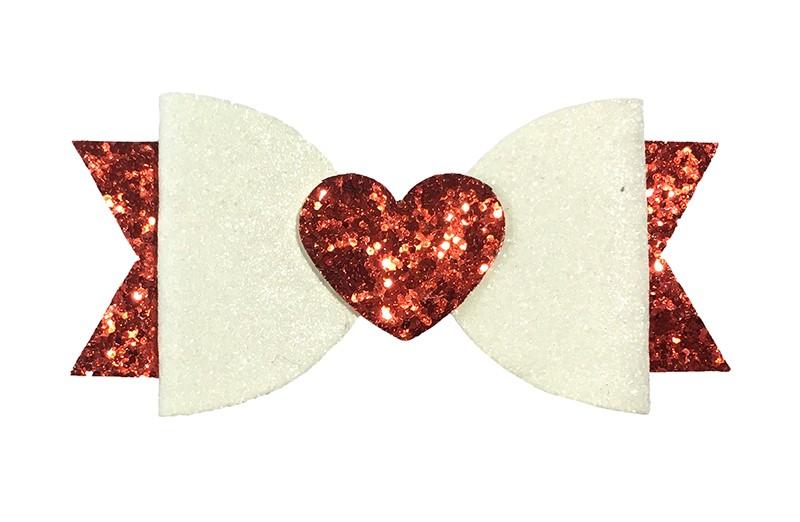 Vrolijke rood en witte glitter haarstrik. Met een rood glitter hartje.  Op een handige alligatorknip van 5 centimeter bekleed met rood lint.
