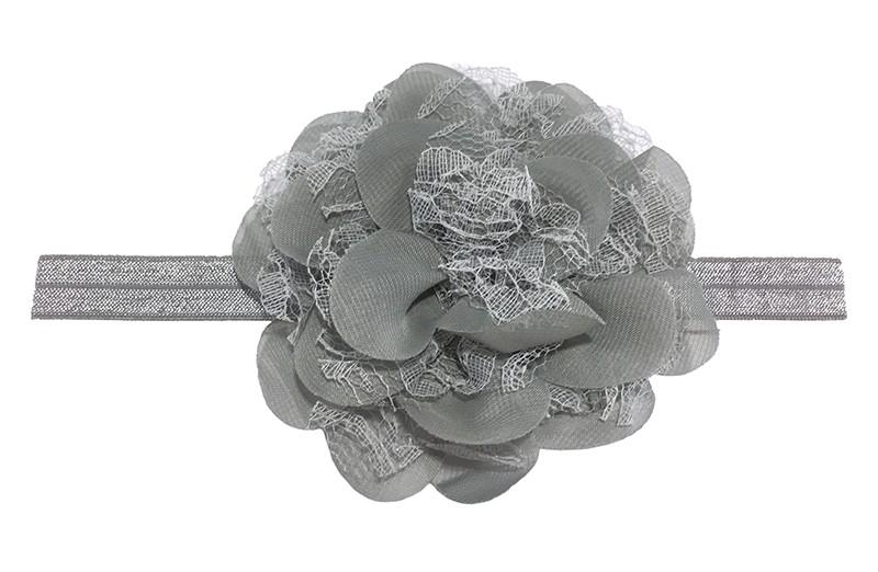 Leuk grijs peuter / kleuter haarbandje met mooie grijze bloem van stof en kant.