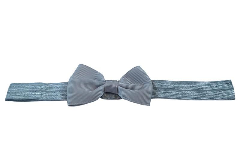 Leuk grijs elastische baby haarbandje met een grijs strikje erop. Heeft zonder uit te rekken een omtrek van ongeveer 35 centimeter.
