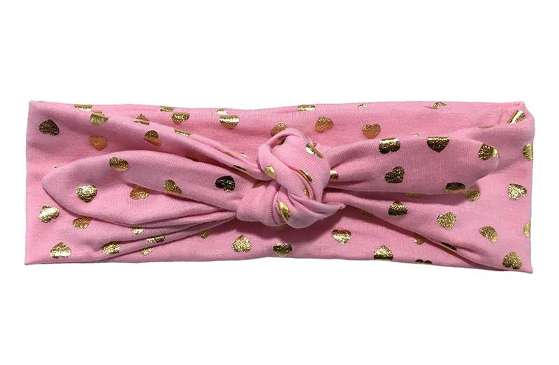 Leuk licht roze baby peuter kleuter haarbandje met glanzend gouden hartjes.  Het haarbandje is van zachte rekbare stof. Het haarbandje is makkelijk zelf te knopen, zo kun je lang plezier hebben van dit leuke haarbandje.  De breedte van het haarbandje is ongeveer 6.5 centimeter.