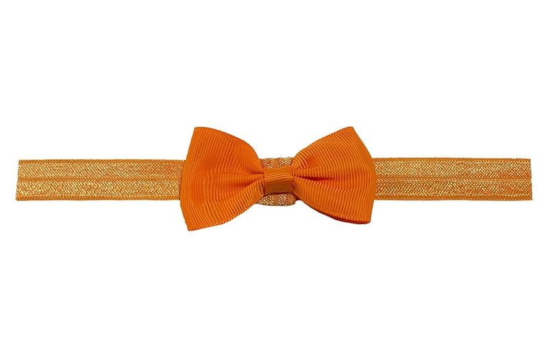 Leuk oranje elastische baby haarbandje met een oranje strikje erop.  Heeft zonder uit te rekken een omtrek van ongeveer 35 centimeter. Geschikt tot en met ongeveer 5 jaar.
