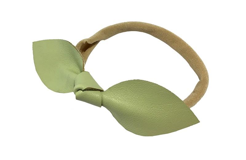 Schattig nylon peuter kleuter meisjes haarbandje.  Van dun rekbaar nylon.  Met een mintgroen nepleren knoopstrikje.