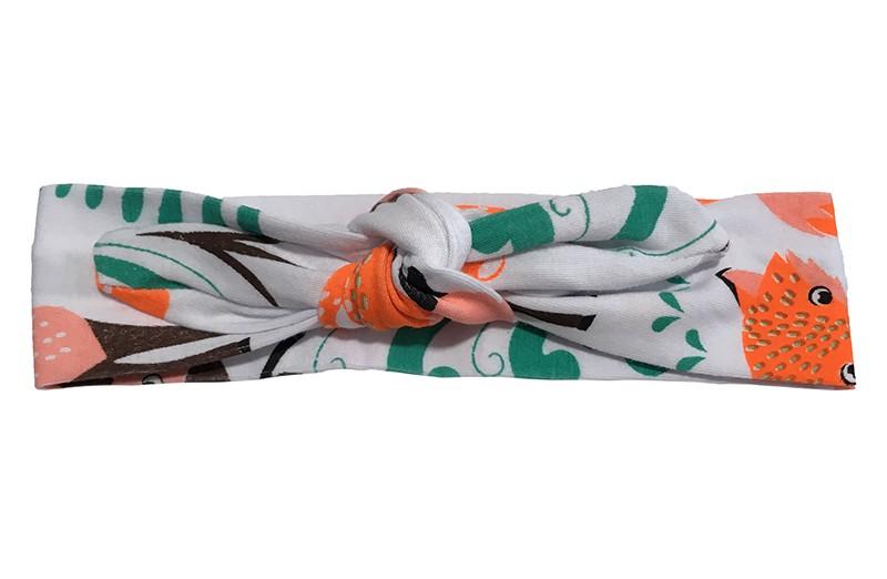 Leuk wit baby peuter kleuter haarbandje met oranje en groene motiefjes.  Het haarbandje is van rekbare stof en heeft een vrolijk gekleurd printje van een vosje en een hertje.  Het haarbandje is makkelijk zelf te knopen, zo kun je lang plezier hebben van dit leuke haarbandje.  De breedte van het haarbandje is ongeveer 4.5 centimeter.