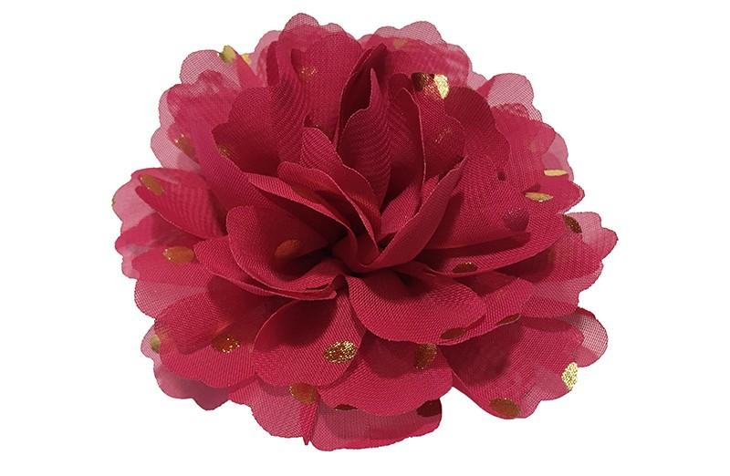 Vrolijke grote framboos (bordeaux) rode haarbloem van chiffon met gouden stipjes.  Op een alligator knip van ongeveer 5 centimeter bekleed met roze lint.