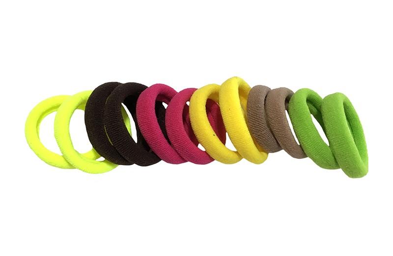 Handig setje van 12 zache haarelastiekjes. In de vrolijke kleurtjes: groen, bruin, roze, geel.