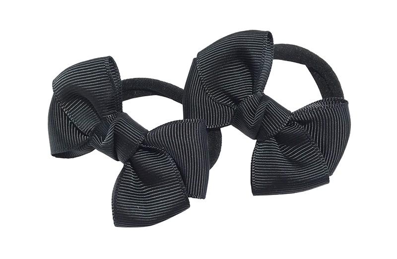 Vrolijk setje van 2 zwarte zachte haarelastiekjes met op elk een leuk zwart strikje van lint.