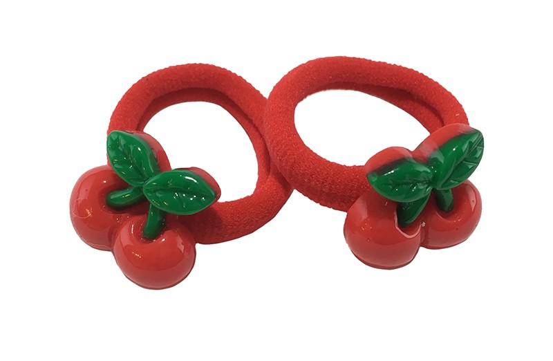 Schattig setje van 2 zachte rode haar elastiekjes met op elk een steentje in de vorm van 2 rode kersjes.