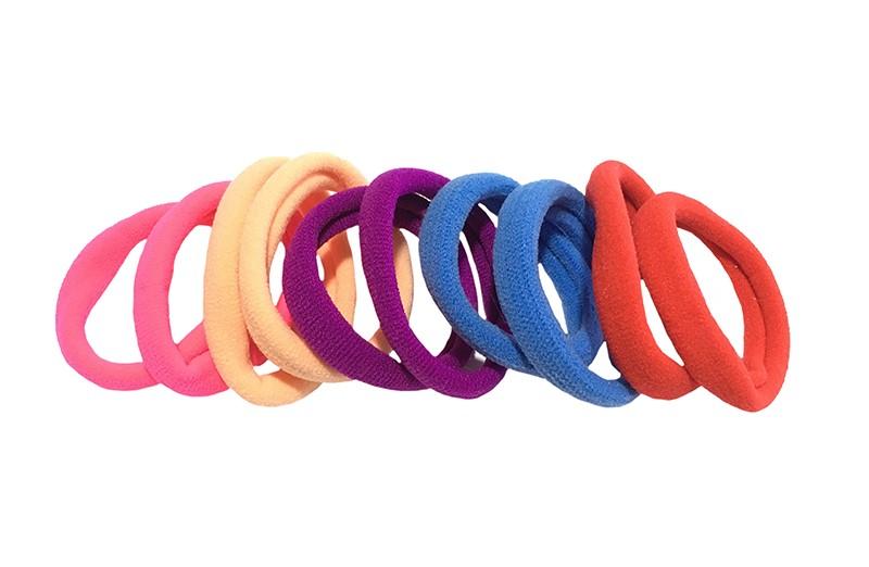 Handig setje van 10 haarelastiekjes. In fel roze, rood, blauw, paars en licht oranje.