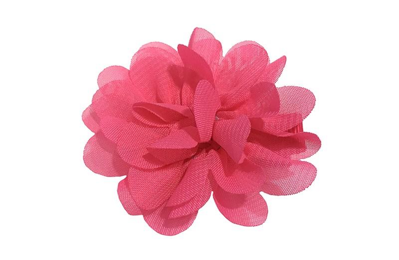 Leuke haarknip met fuchsia roze chiffon bloem. De haarknip is bekleed met fuchsia roze lint. Vrolijk speldje voor kleine meisjes en grotere meisjes.