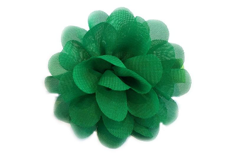 Leuke haarknip met groene chiffon bloem. De haarknip is bekleed met licht groen lint. Vrolijk speldje voor kleine meisjes en grotere meisjes.