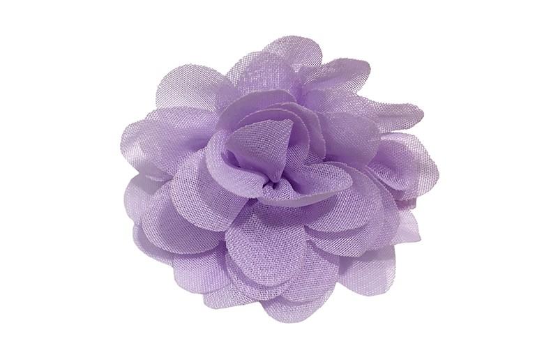 Leuke haarknip met lila paarse chiffon bloem. De haarknip is bekleed met lila paars lint. Vrolijk speldje voor kleine meisjes en grotere meisjes.