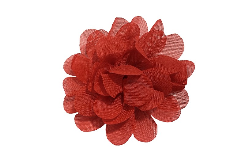 Leuke haarknip met rode chiffon bloem. De haarknip is bekleed met rood lint. Vrolijk speldje voor kleine meisjes en grotere meisjes.