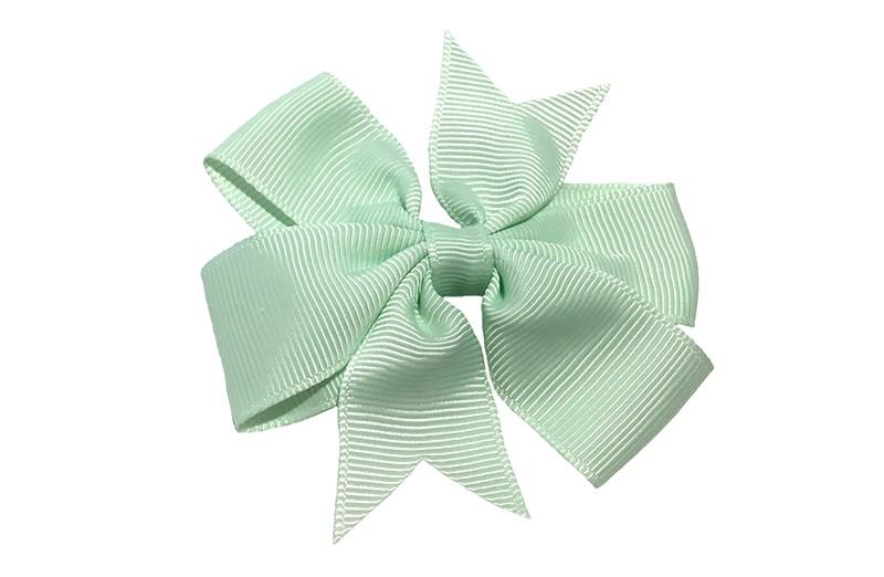 Mooi! Grote mint groene haarstrik op een alligator speldje makkelijk in het haar te zetten.