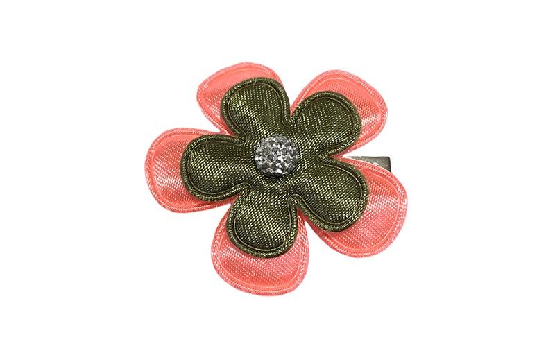 Vrolijk koraal met legergroen peuter haarknipje. Met effen koraal roze bloemetje, effen legergroen bloemetje en een klein grijs steentje.  Het alligator haarknipje is ongeveer 3 centimeter.  Het knipje blijft door de kleine tandjes goed zitten in de haartjes.