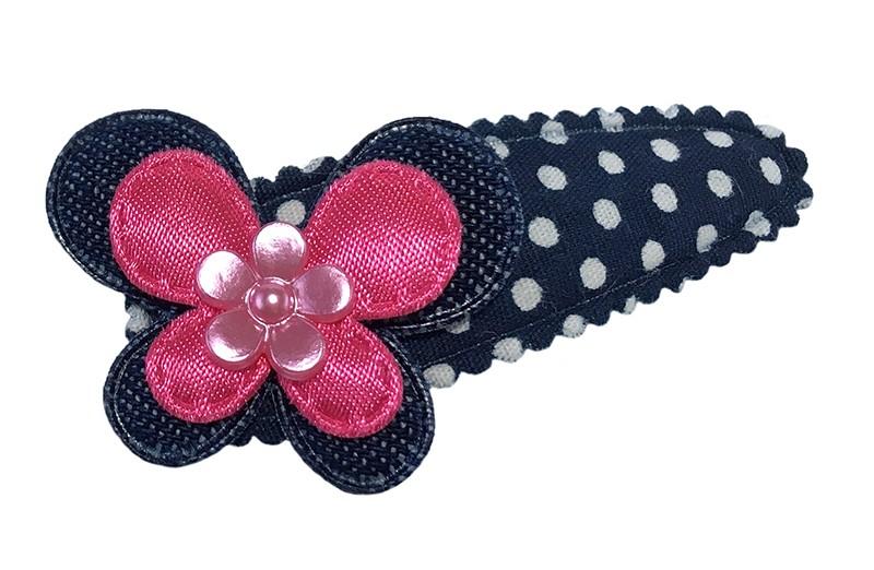 Vrolijk donkerblauw peuter kleuter haarspeldje met witte stippeltjes.  Met een denim blauw vlindertje, een fuchsia roze vlindertje en een klein roze lichtroze bloemetje.