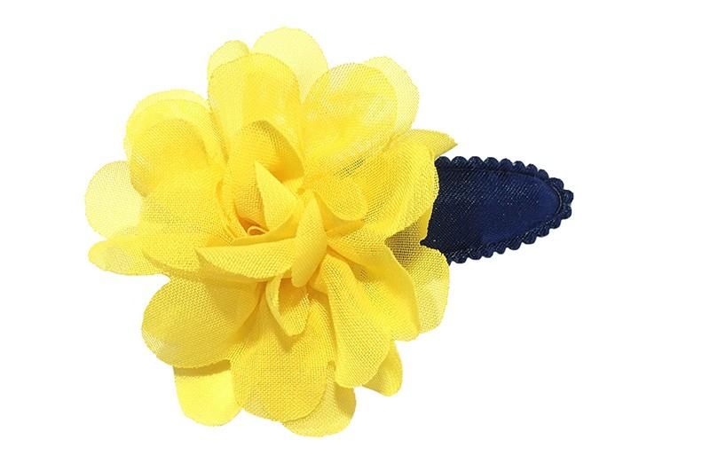 Leuk donkerblauw peuter kleuter haarspeldje mey een vrolijke gele chiffon laagjes bloem.