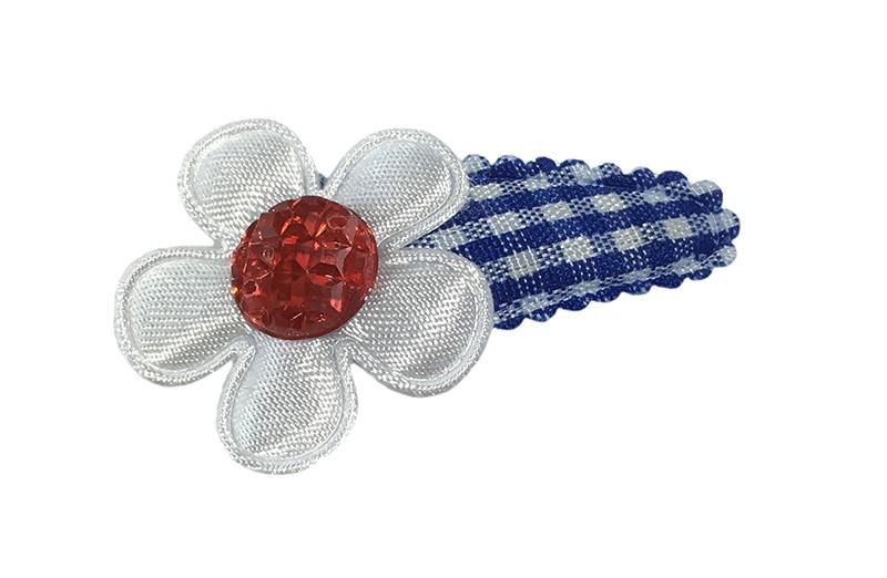 Vrolijk blauw wit geruit baby peuter haarspeldje.  Met een wit bloemetje en een rood pareltje.