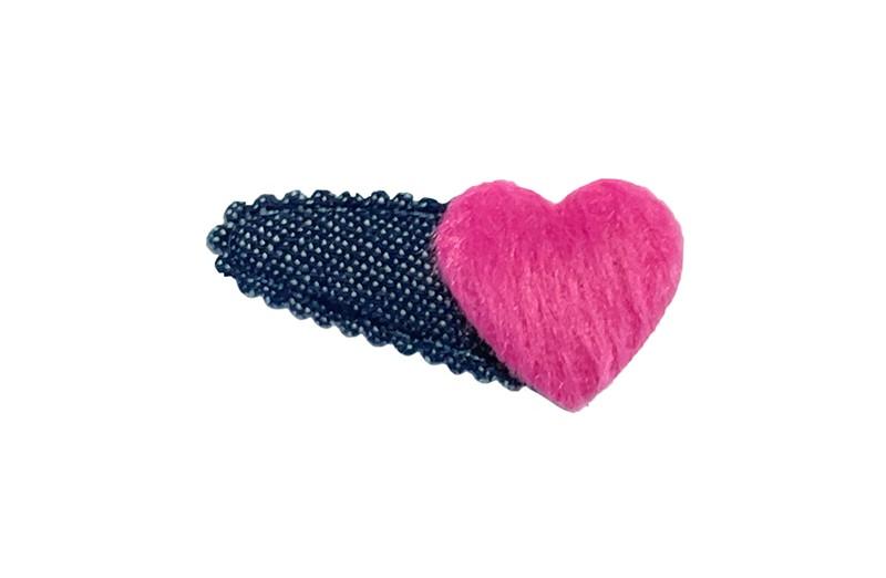 Vrolijk denim blauw baby peuter haarspeldje.  Met een fuchsia roze fluffie hartje.