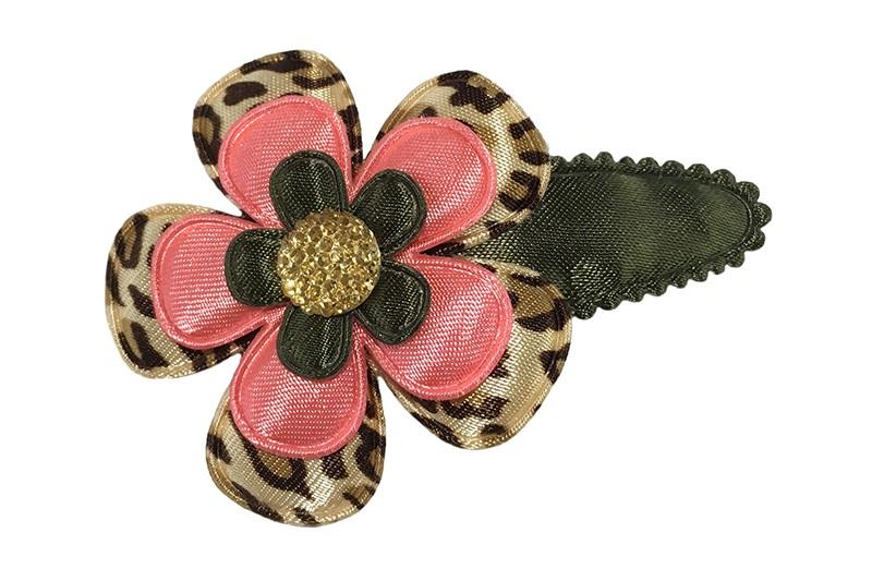 Leuk legergroen peuter kleuter haarspeldje. Met een bloemetje in luipaardprint, een koraalroze bloemetje en een legergroen bloemetje.  Afgewerkt met een goud geel pareltje.