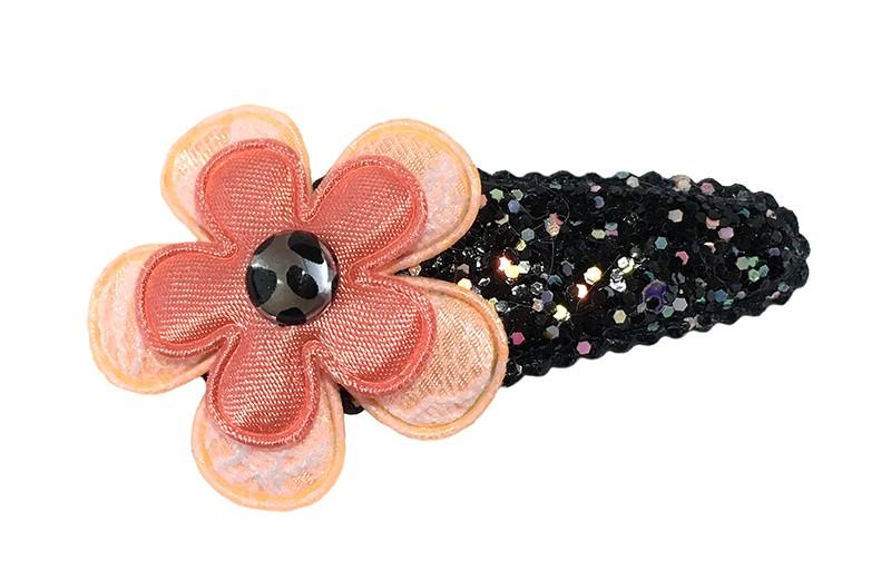 Vrolijk peuter kleuter haarspeldje zwart glitter.  Met een zalmroze bloemetje in kantlook en een koraalroze bloemetje.  Afgewerkt met een klein dierenprint pareltje.