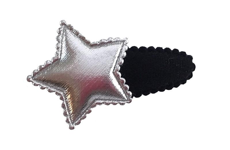 Leuk zwart fluffie peuter haarspeldje. Met een zilver glanzend sterretje.
