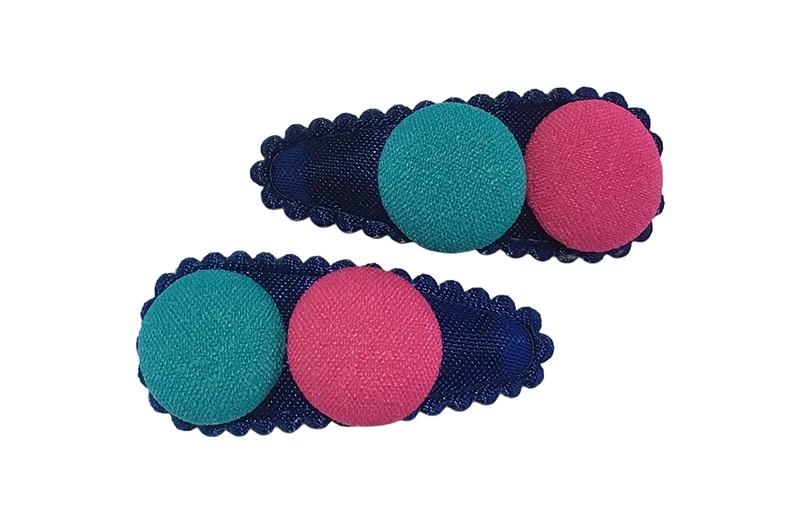 Vrolijk setje van 2 donkerblauwe baby peuter haarspeldjes.  Met op elk een groen en een roze stofknoopje.