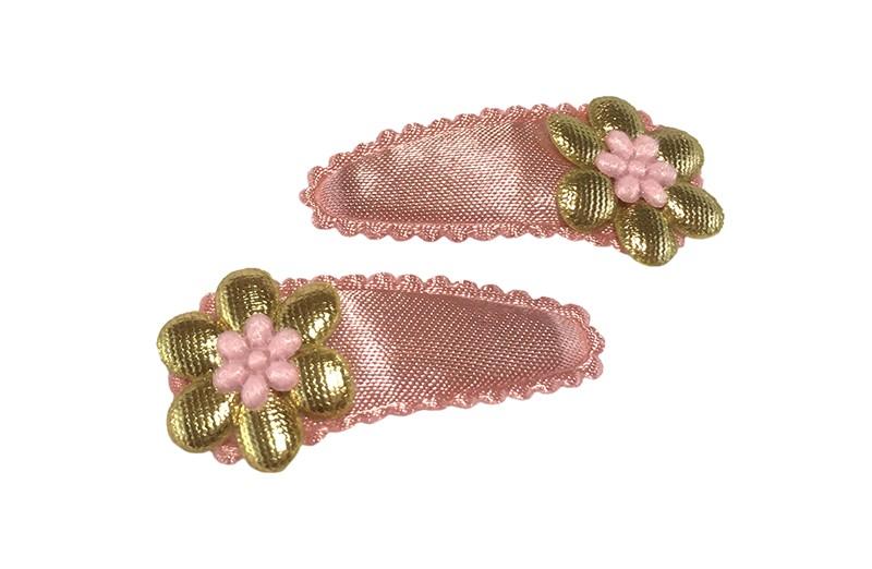 Vrolijk setje van 2 effen oud roze baby peuter haarspeldjes.  Met daarop een glanzend goud bloemetje en een mini roze bloemetje.