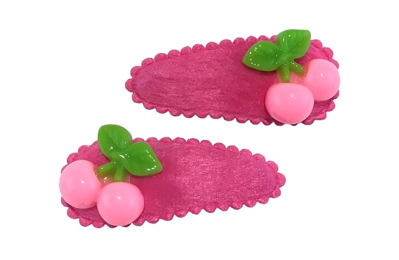 Vrolijk setje van 2 fuchsia roze peuter haarspeldjes.  Met op elk lichtroze kersjes.