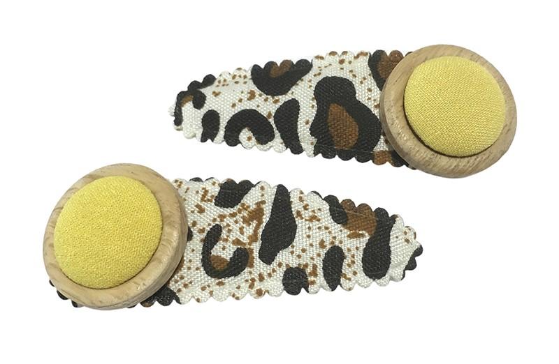 Vrolijk setje van 2 bruine peuter kleuter haarspeldjes met tijgerprintje.  Met op elk een 2 laags knoopje met gele stof.