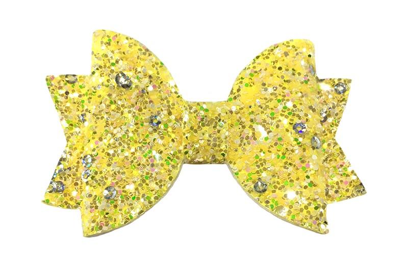 Vrolijke gele glitter haarstrik.  Met kleine zilveren pailletjes voor een extra sprankelend detail.  In een mooie dubbellaagse look.  Op een handig alligatorknipje van ongeveer 4.5 centimeter.