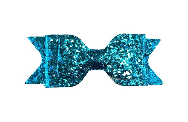 Mooie felblauwe glitter haarstrik. In een 3 laagse look. Op een gebogen haarspeld. De haarspeld, het gedeelte dat in het haar vast klikt, is ongeveer 5 centimeter.