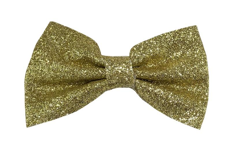 Leuke gouden peuter, kleuter, meiden glitter haarstrik.  Het haarstrikje is van dun nepleer met kleine glittertjes. Vastgemaakt op een plat haarknipje half bekleed met goudbruin lint.