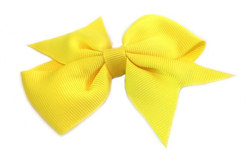 Leuke enkele haarstrik in fel gele kleur op alligator knip. Leuk voor zowel jonge meisjes als oudere meisjes.