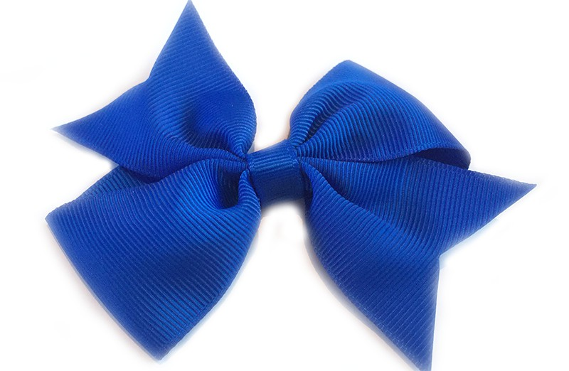 Leuke enkele haarstrik in kobalt blauwe kleur op alligator knip. Leuk voor zowel jonge meisjes als oudere meisjes.