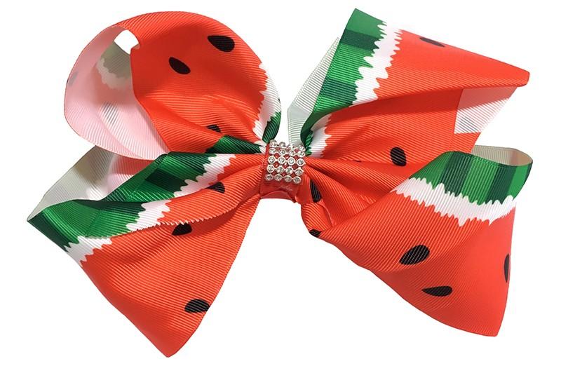 Vrolijke extra, extra grote haarstrik van lint.  Met een leuke rood groene watermeloen print.  Op een handige haarknip met tandjes. Extra groot model. Ook leuk voor bijvoorbeeld een themafeestje.