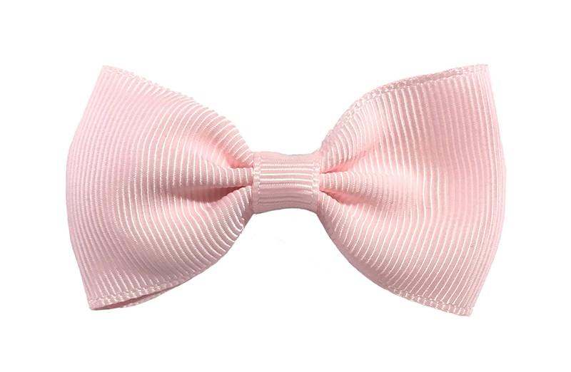 Vrolijk heel licht roze peuter, meisjes haarstrikje van lint. Op een handig alligator knipje.