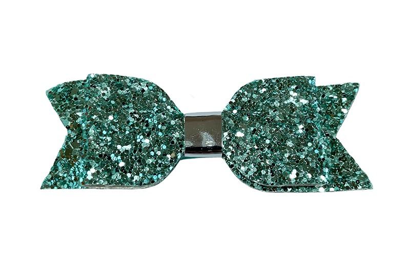 Vrolijke mint groene glitter peuter kleuter haarstrik.  Met een glanzend zilver leerlook bandje.  Op een plat haarknipje bekleed met mintgroen lint van 4 centimeter.