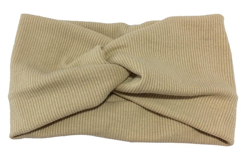 Leuke creme stoffen tiener en dames hoofdband.  Van zachte rekbare stof, met streepjespatroontje in de stof. Geknoopt in een hip twistmodelletje.  Het hoofdbandje heeft een leuk breed model.